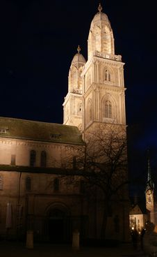 Free Grossmuenster Cathedral In Zurich Night Stock Photo - 5032790