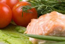 Free Stake From A Salmon With Vegetables Royalty Free Stock Image - 5038536
