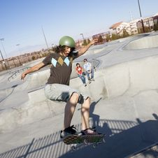 Tricks At The Skatepark Royalty Free Stock Photo