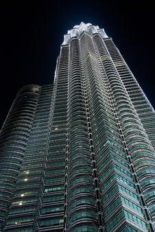 Free Petronas Twin Towers In The Night Stock Image - 5040651