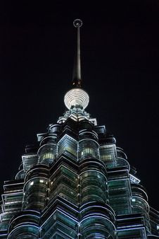 Free Petronas Twin Towers In The Night Royalty Free Stock Photography - 5040657