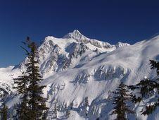 Free Mt Shuksan Blue Sky. Royalty Free Stock Image - 5042636