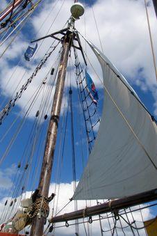 Free Sails Royalty Free Stock Photo - 5043375
