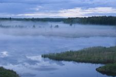 Free Fog On The River Royalty Free Stock Images - 5046829