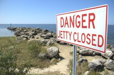 Free Closed Jetty Sign Stock Photography - 5047152