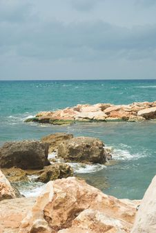 Free Sea Royalty Free Stock Image - 5048616