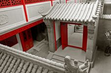 Free Chinese Ancient Courtyard. Royalty Free Stock Photos - 5049318
