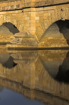 Free Bridge Reflections Stock Photography - 5054882