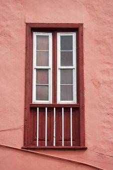 Free Red Window Royalty Free Stock Photo - 5055645