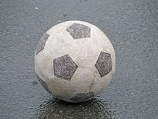 Free Old Soccerball Royalty Free Stock Image - 5059346