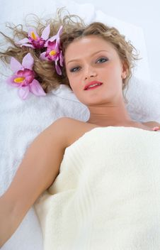 Free Attractive Woman Getting Spa Treatment Royalty Free Stock Photos - 5061018