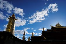 Free Golden Roof Of A Monastery Stock Photos - 5061113