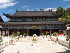 Free Ancient Temple In Lijiang Royalty Free Stock Photography - 5062807
