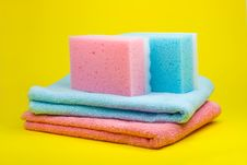 Free Towels And Sponges Royalty Free Stock Images - 5063349