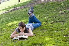 Free Young Woman Reading A Book Stock Photos - 5064343