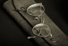 Free Spectacles Royalty Free Stock Images - 5066219