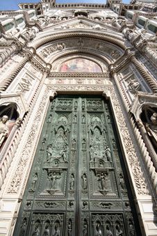 Free Duomo (Santa Maria Del Fiore) Entrance Royalty Free Stock Photos - 5066348