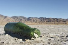 Free Discarded Bottle Royalty Free Stock Photos - 5066718