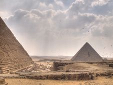 Free The Pyramids Of Giza Stock Image - 5067561