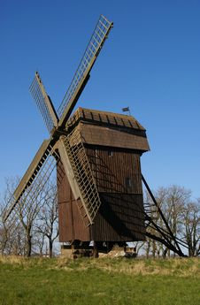 Free Windmill Royalty Free Stock Photography - 5069827
