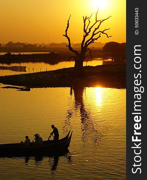 Sunset over Thaungthaman lake