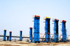 Free Cluster Oil Well Stock Photo - 5071110