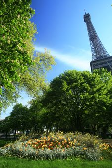 Free Eiffel Tower Of Paris Royalty Free Stock Image - 5072336
