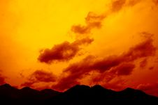 Free The Fire Burns Cloud Royalty Free Stock Photo - 5073245