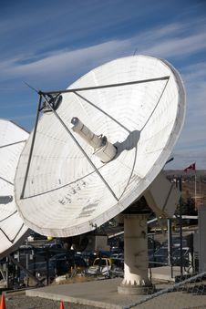 Free Big Satellite Dish Stock Image - 5077181