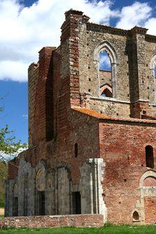 Free San Galgano Abbey Royalty Free Stock Photos - 5084878