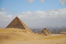 Free Ancient Egyptian Pyramid Royalty Free Stock Photography - 5088767
