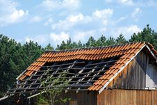 Free Ruined Tiled Roof Stock Image - 5088841