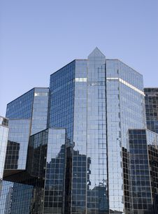 Free Blue Glass Reflective Financial Center Stock Image - 5091911