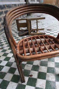 Free Broken Chair Stock Image - 5093521