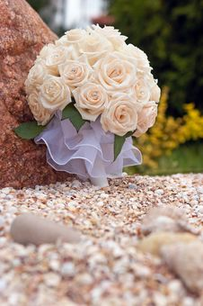 Free Bouquet In The Grass Royalty Free Stock Images - 5093959