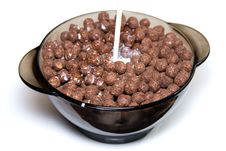 Free Chocolate Cereal With Milk Royalty Free Stock Images - 5095619