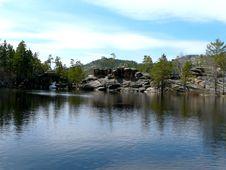Free Wonder Lake Royalty Free Stock Photo - 5098535