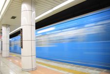 Free Blue Train In Motion Stock Photography - 5099802