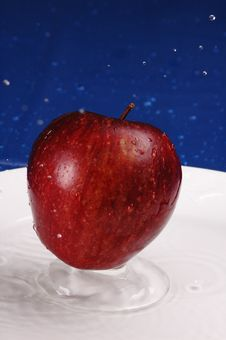 Free Apple Splash Stock Photos - 510043