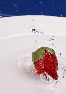 Free Strawberry Splash Stock Photography - 510102