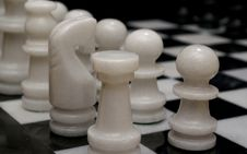 Free Chess Board Royalty Free Stock Photography - 513027