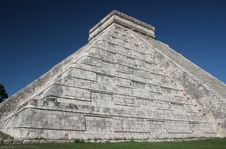 Free Chichen Itza Pyramid Royalty Free Stock Photography - 5102747