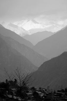 Free Mountain Valley Silhouette, Himalayas Royalty Free Stock Photos - 5103228
