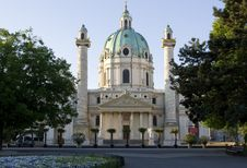 Free Charles Church, Vienna Royalty Free Stock Images - 5103969