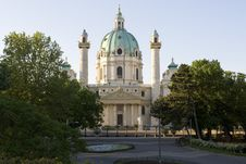 Free Charles Church, Vienna Royalty Free Stock Images - 5104049