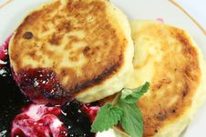 Free Pancakes Royalty Free Stock Photos - 5106798