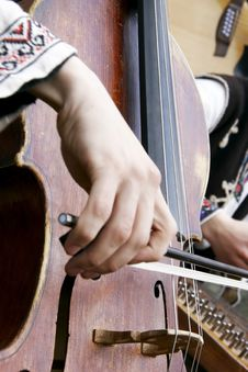 Free Playing Contrabass Royalty Free Stock Photos - 5109708