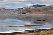 Free The Peaceful Lake In Tibet Plateau Stock Photos - 5111733