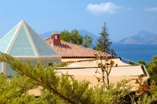 Free View On Sea And Mountains Over Roofs Royalty Free Stock Photo - 5112615