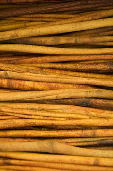 Free Cinnamon Sticks Royalty Free Stock Photography - 5112767